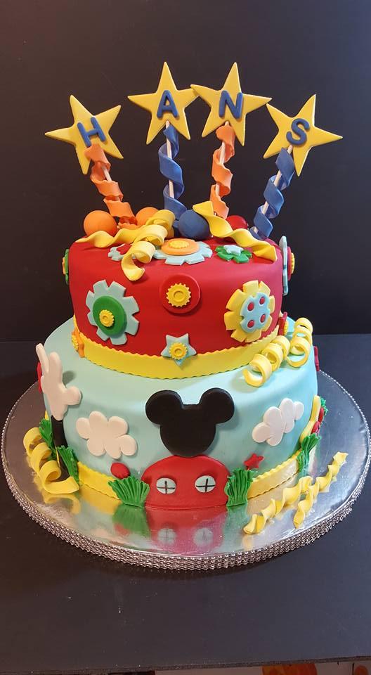Fios de Mel by Elizabete Costa Cakes and Sweet New York - 2 tier disney mickey cake.jpg