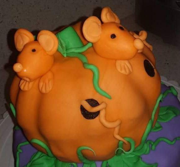 Fios de Mel by Elizabete Costa NYC - Cakes - Halloween Mice Pumpkin.jpg