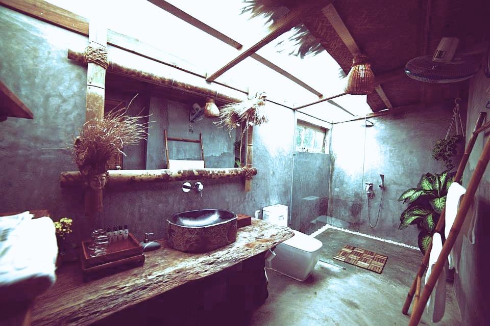 bathroom tonkin.jpg