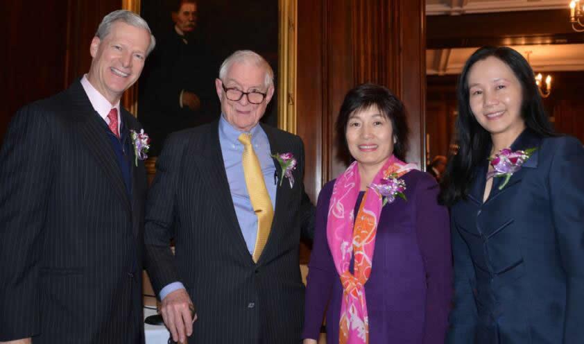From left to right are Mr. Steven C. Rockefeller Jr., Ambassador Nicholas Platt,Ambassador Zhang Qiyue and the founder of Chinese Cultural Foundation,Elizabeth B. Wang.