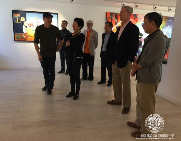 Mr. Jiang Chuan led the CCAIO team to visit Mr. Jiang Chuan's studio