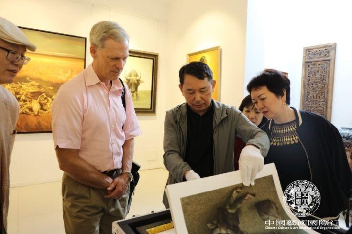 姜国芳先生展示限量印刷作品精选集