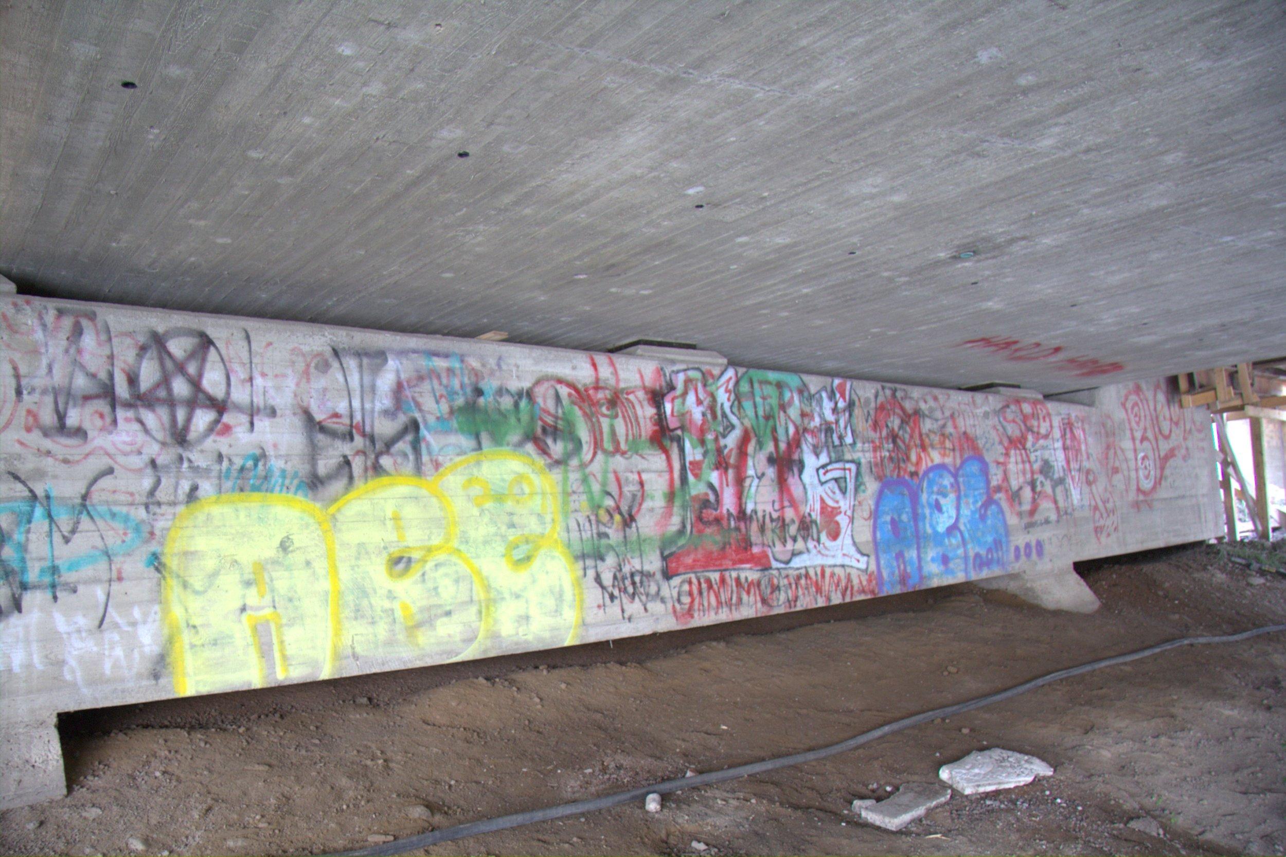 kotka graffitin poisto (4) ennen.jpg