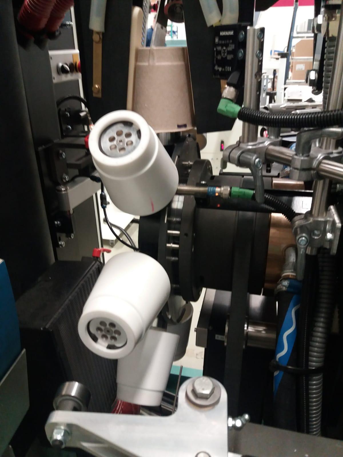 Ook voor high-tech machine eindproducten kunt u bij ons uw 3D Printwerk neerleggen. Precisie onderdelen in een 600 PPM bedrukkingsmachine van Van Dam Machine Europe B.V. als alternatief op  aluminium onderdelen. De gebruiker ondervindt geen verschillen behalve dat er sneller gedraaid kan worden, het lichter van gewicht is en dat de onderdelen binnen één week in huis zijn om te produceren in plaats van 3-4 weken voor aluminium onderdelen.