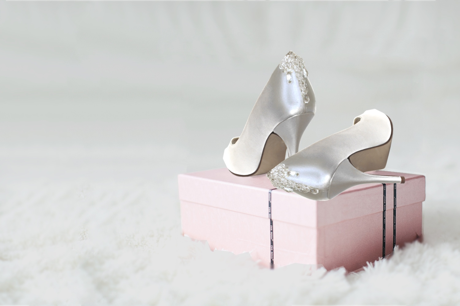 Beautiful adornments for your bridal shoes - For the walk that everyone's watching...