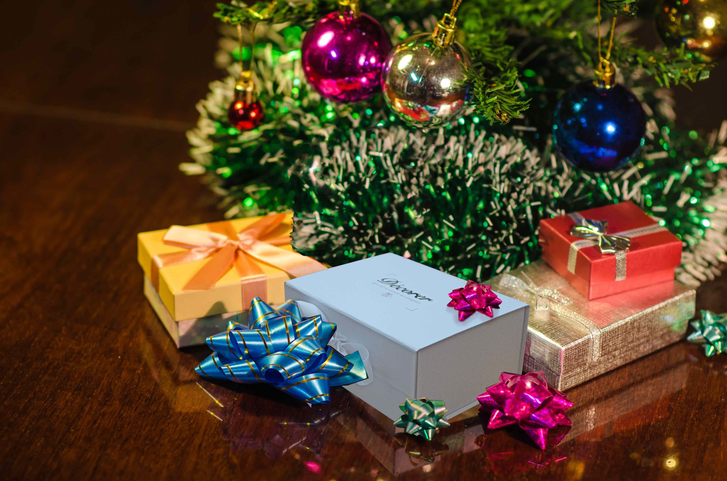 Décorer accessories - Come beautifully packaged, it will be a pleasure to watch your loved ones open your gift and see their delight!
