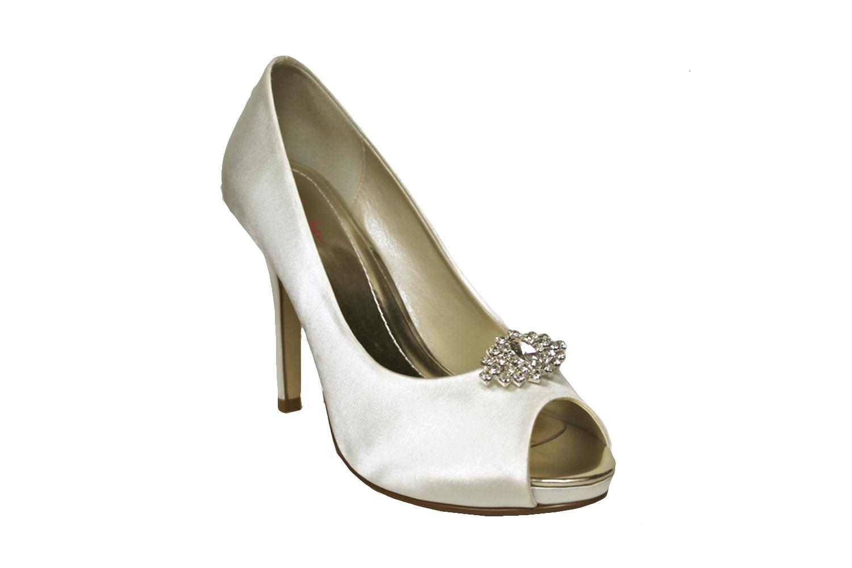 arianne shoe clip.jpg