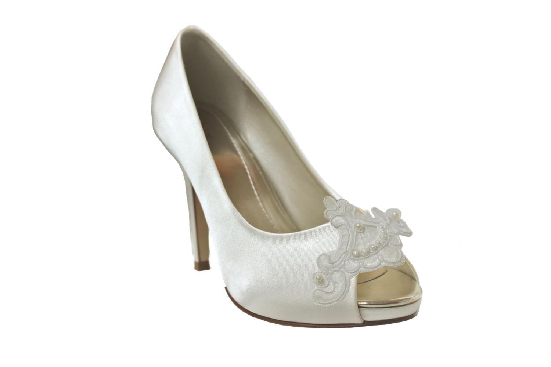 elisee grande bridal shoe clip.jpg
