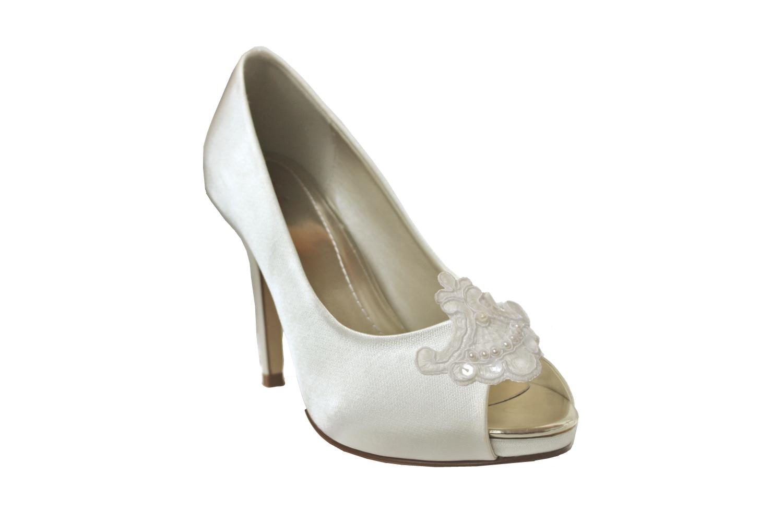 joelle shoe clip on shoe.jpg