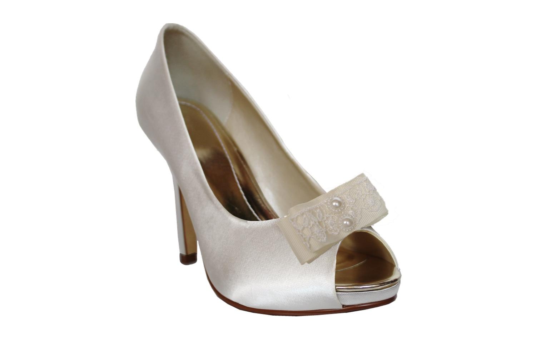 aimee bridal shoe clips on shoe.jpg