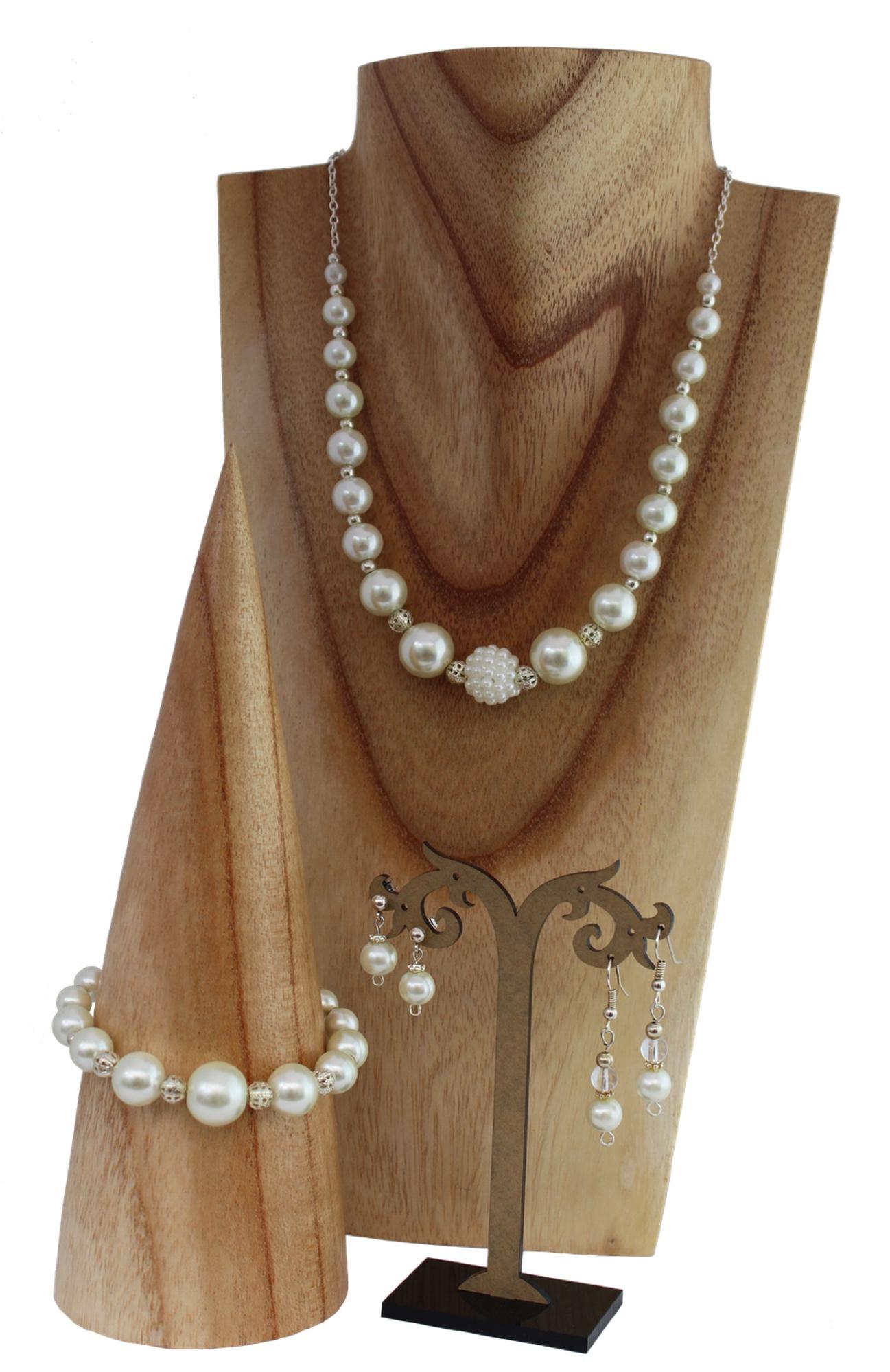 ivory pearl jewellery set.jpg
