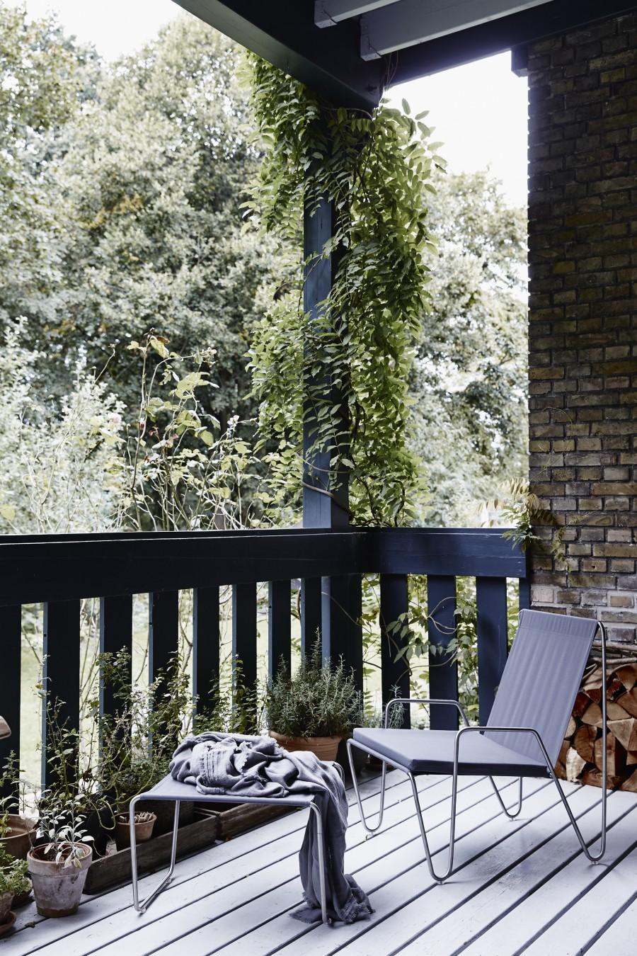22-Panton-Bachelor-outdoor-e1461835763684.jpg