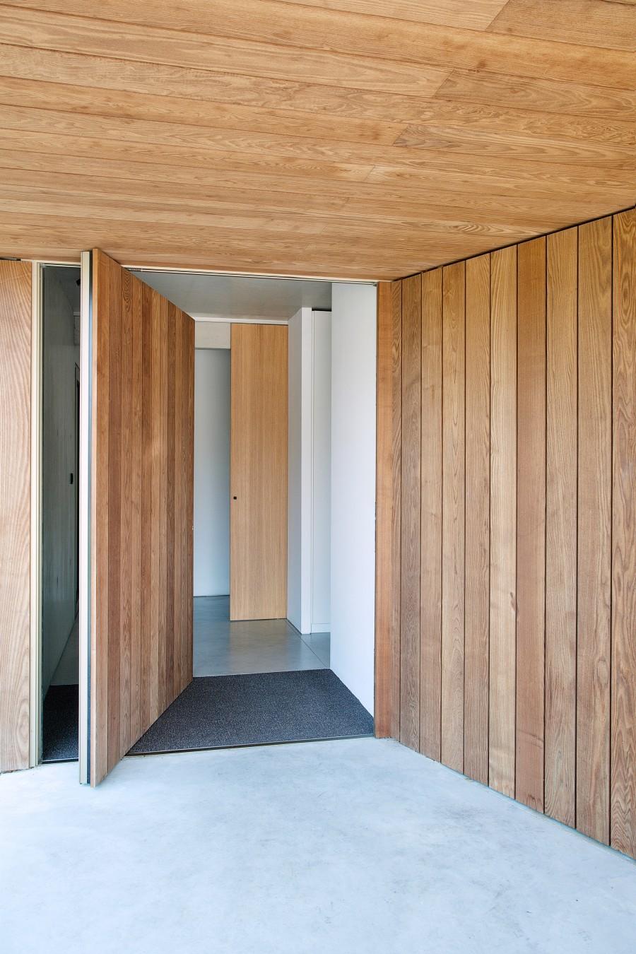 concrete-house-in-belgium-aprilandmay3