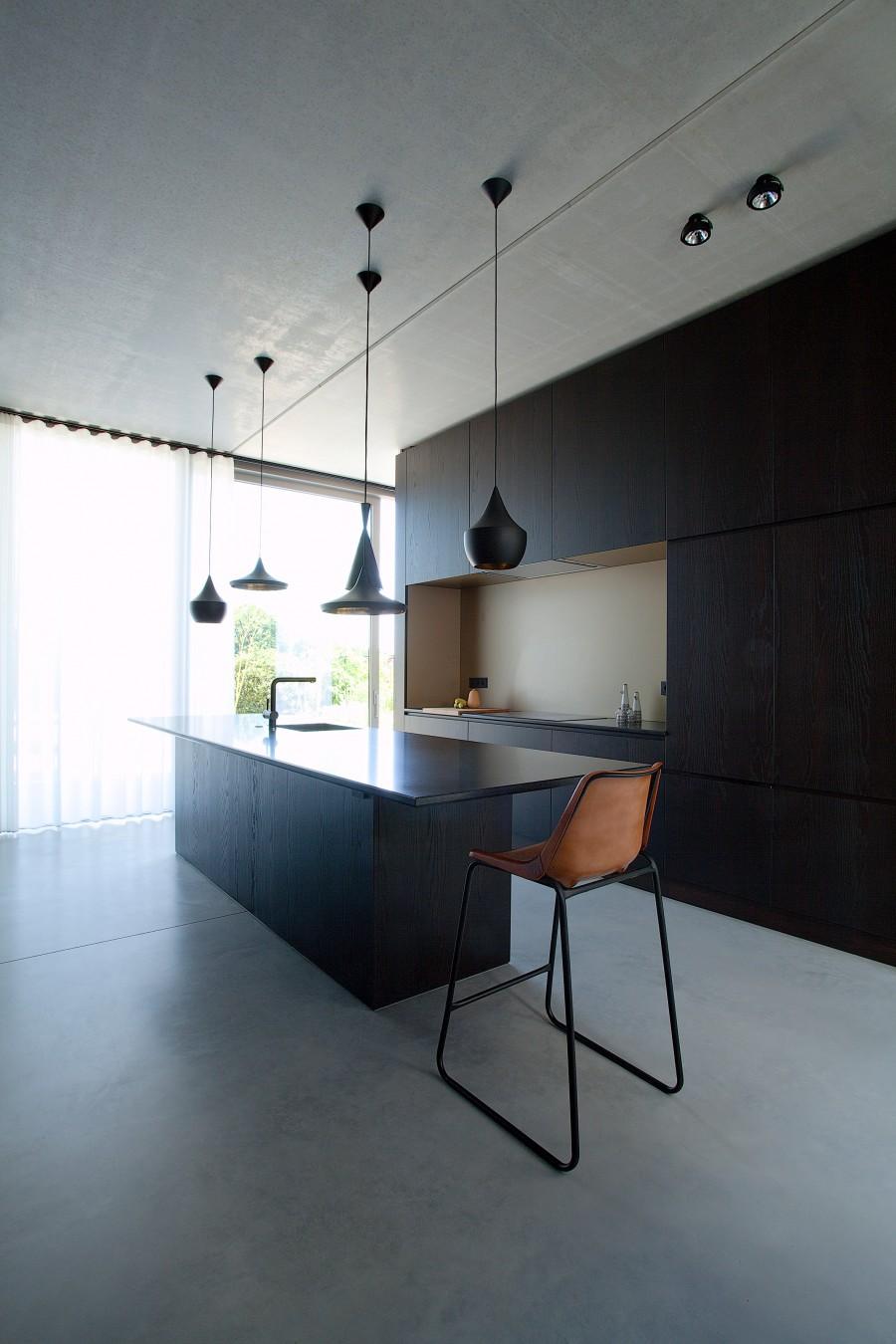 concrete-house-in-belgium-aprilandmay5
