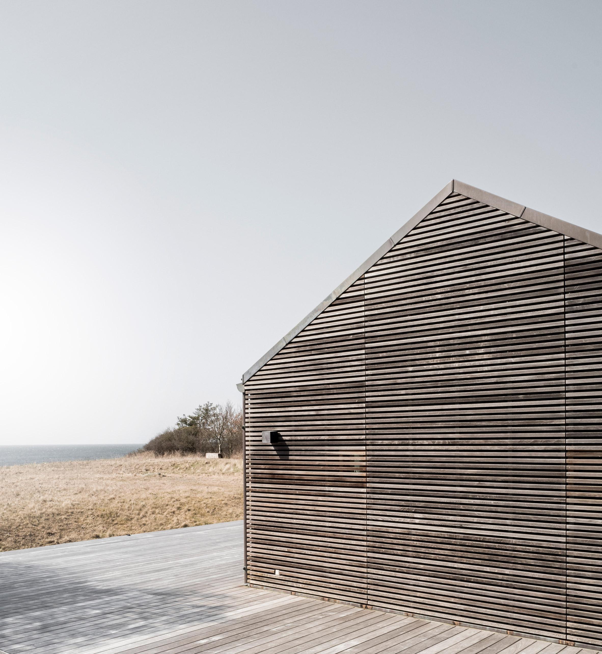 seaside-abode-norm-architects-denmark-aprilandmay-1.jpg