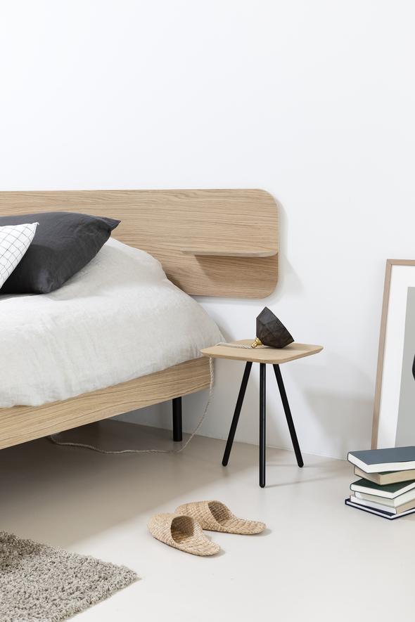 houten-design-bed-frame-met-tafeltje-frame_LR_590x.jpg
