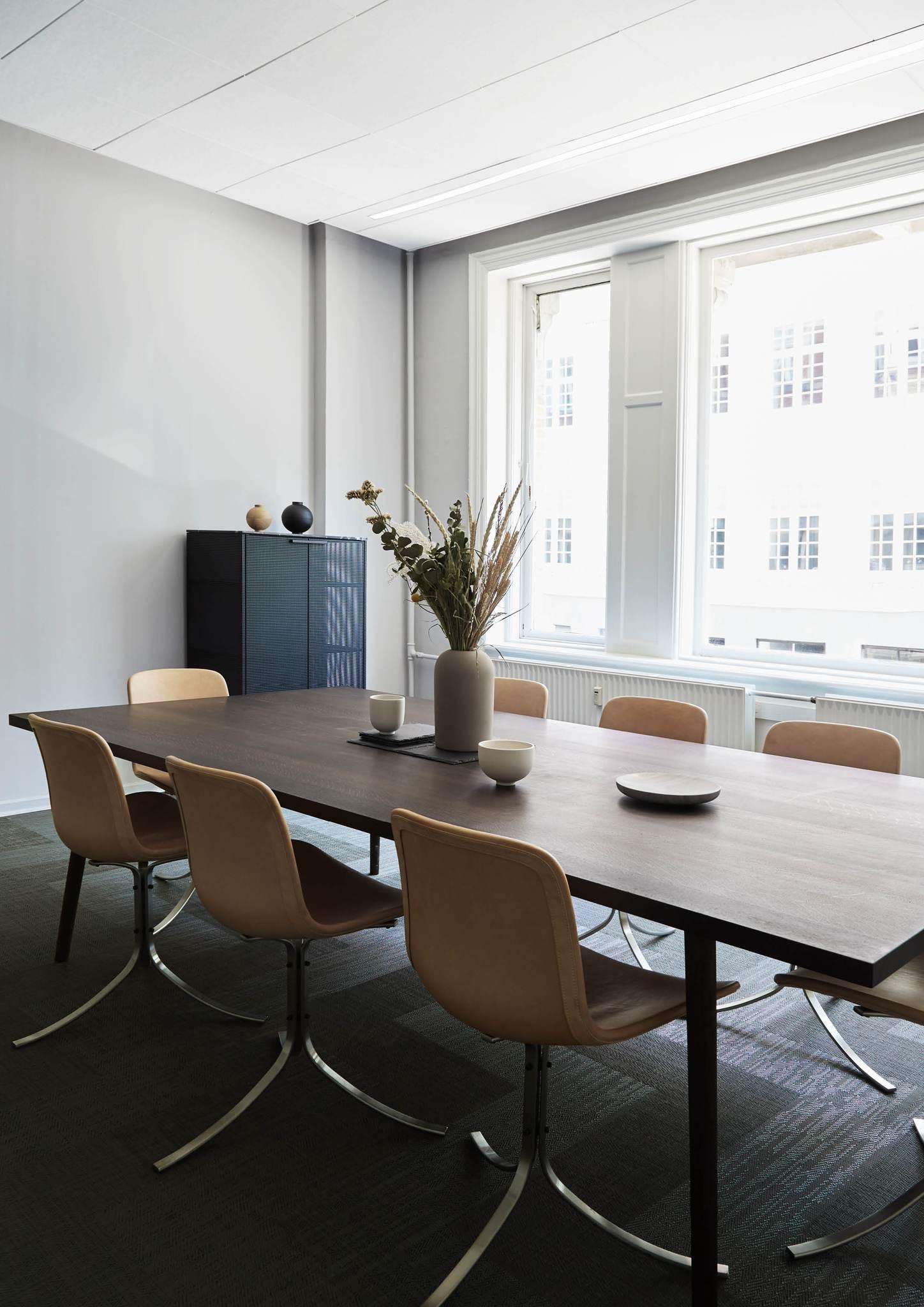 Kristiana-dam-studio-interio-office-3.jpg