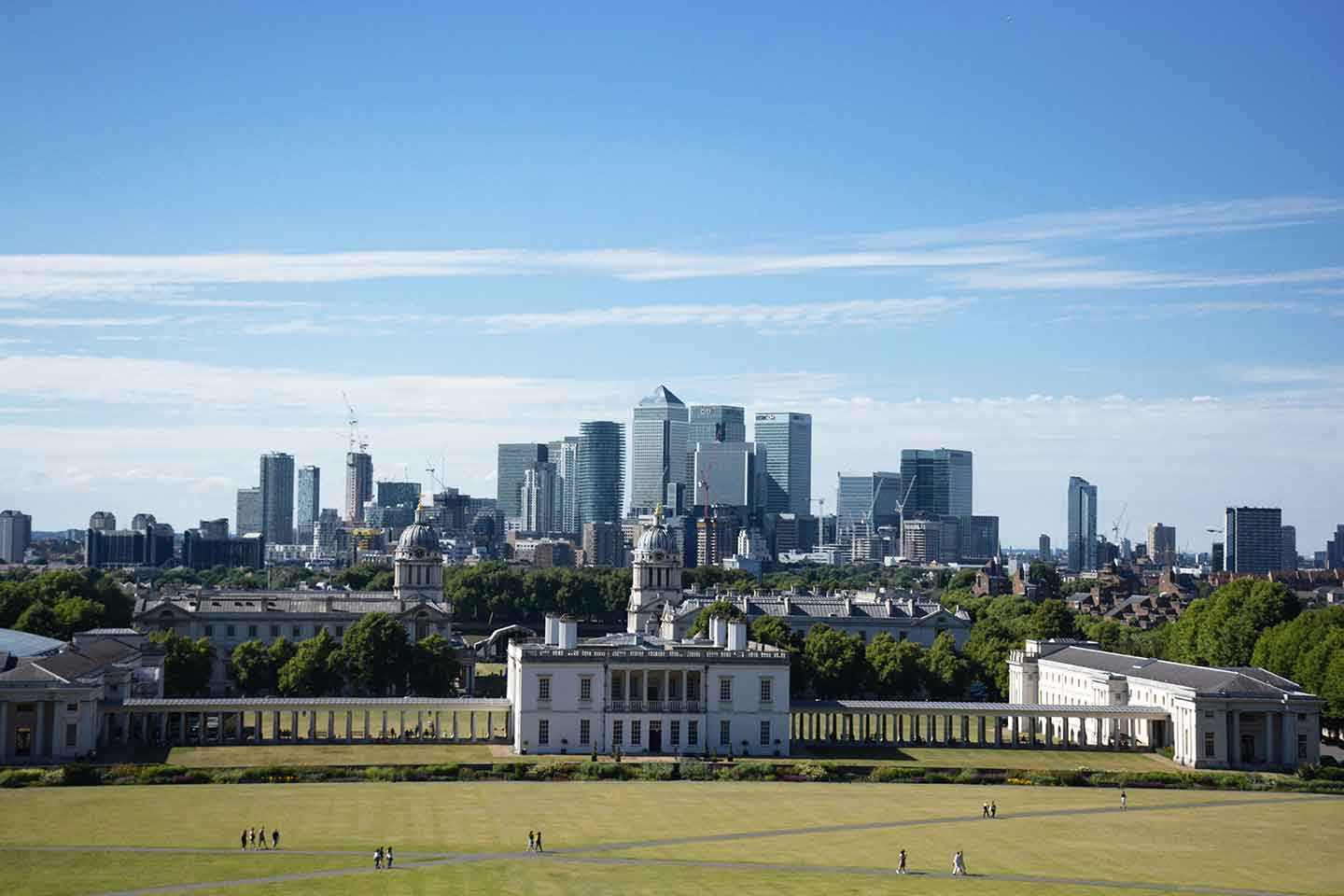Canary Wharf to Greenwich Walk - Explore Canary Wharf's financial district and Greenwich through a beautiful nature walk.