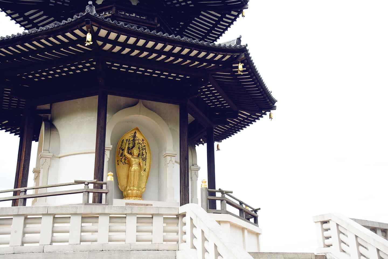 Peace-Pagoda-Battersea-Park.jpg