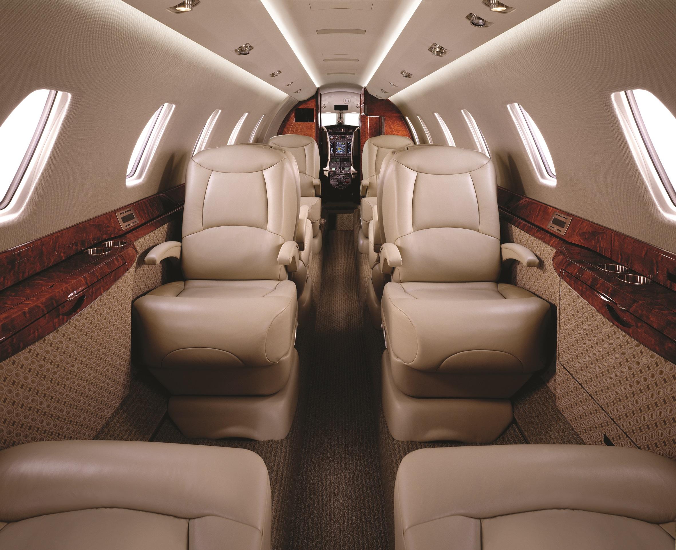Cessna_Citation X Int.jpg