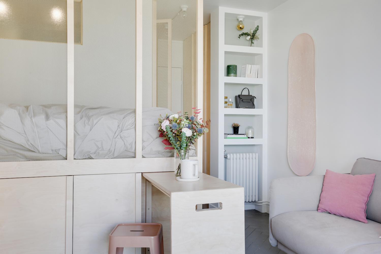 Table coulissante pour gagner de l'espace dans un studio parisien