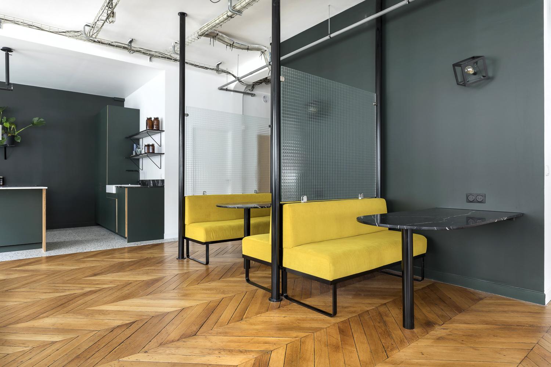 Agencement sur-mesure d'un espace de convivialité espace de réunion Chez Clustree