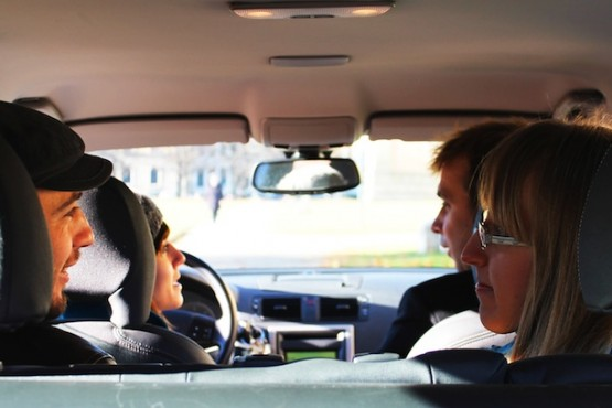 carpooling_automobile_guida-555x370.jpg