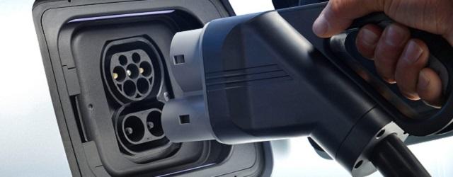 Auto-elettriche-e-batterie-al-litio.jpg