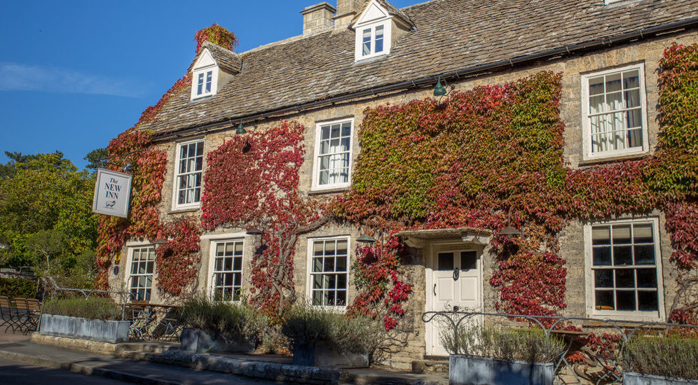 The New Inn - GLOUCESTERSHIRE, GL7 5AN A 16th-century pub with 15 ensuite bedrooms located just five miles away from both Cripps Barn and Stone Barn.
