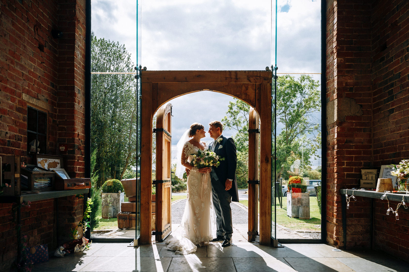 390 Emma  Luke- Gareth Newstead Photography GNP18515shustoke+barn+warwickshire+wedding+venue.jpg