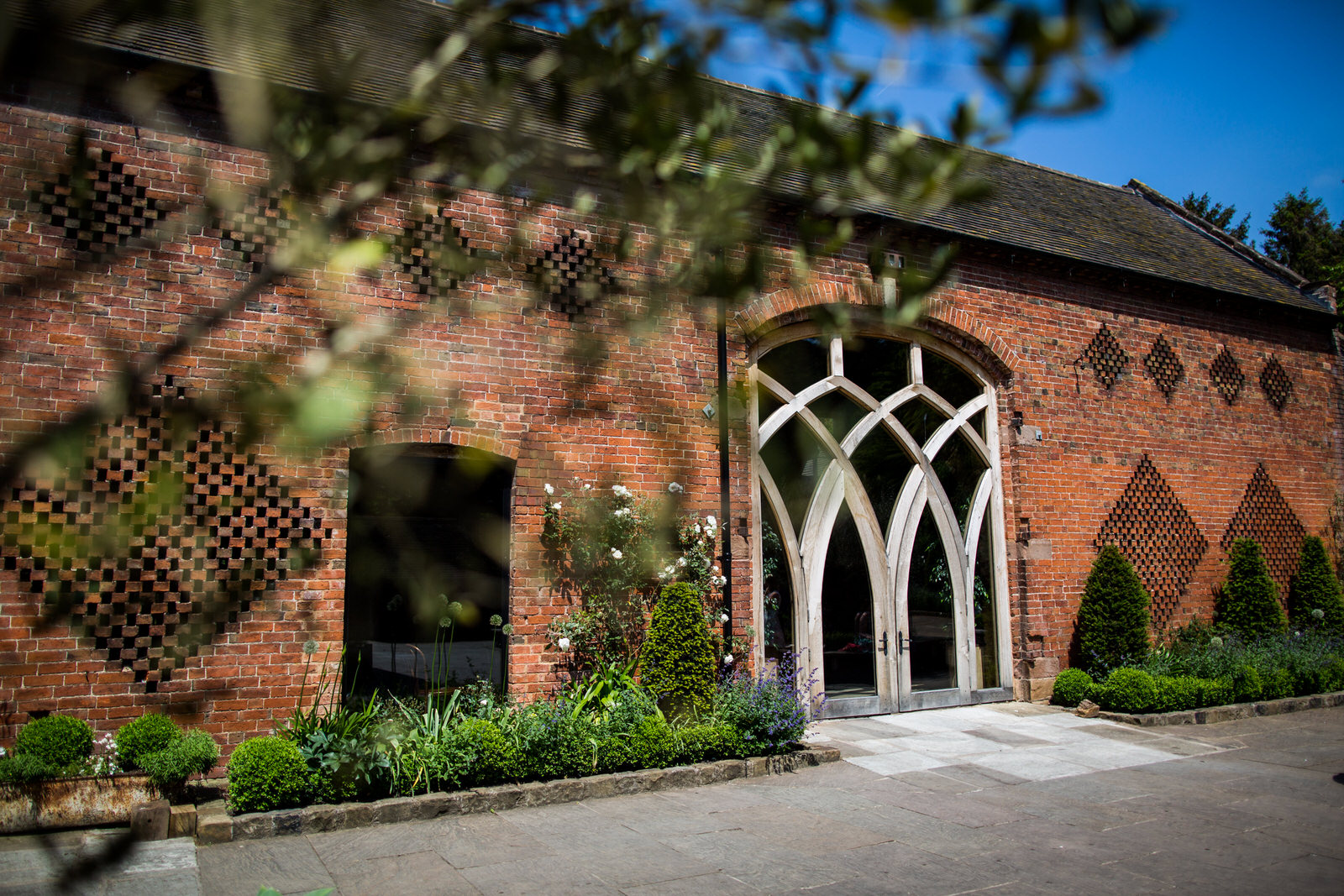 Victoria&KieranWedding-1156 Johnny Dentshustoke+barn+warwickshire+wedding+venue_1.jpg