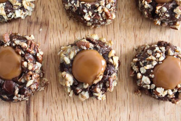 caramel thumbprint cookies © Bianca Garcia