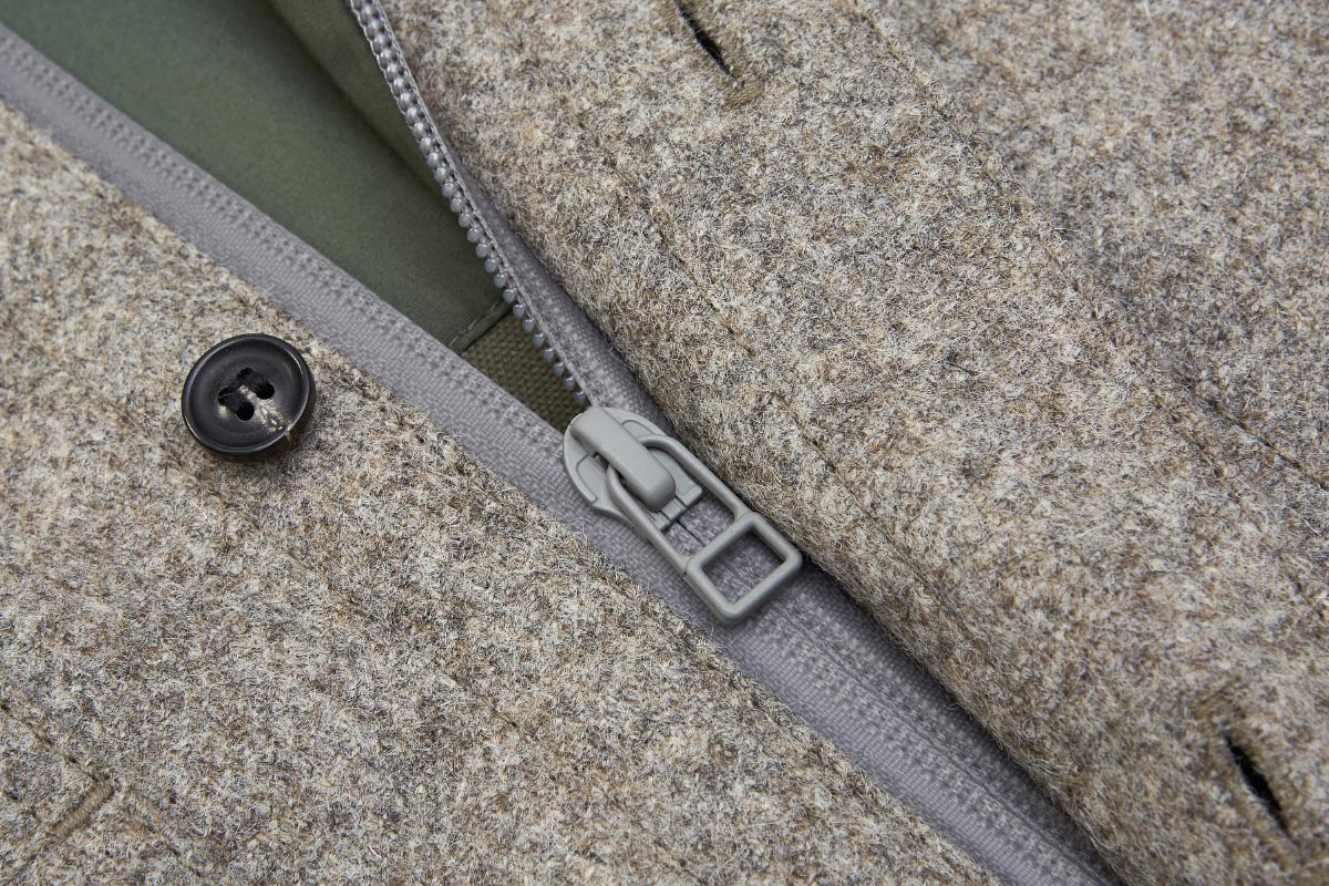 ashley-watson_product_hockliffe-overshirt_stone_detail_aquaguard-zip.jpg
