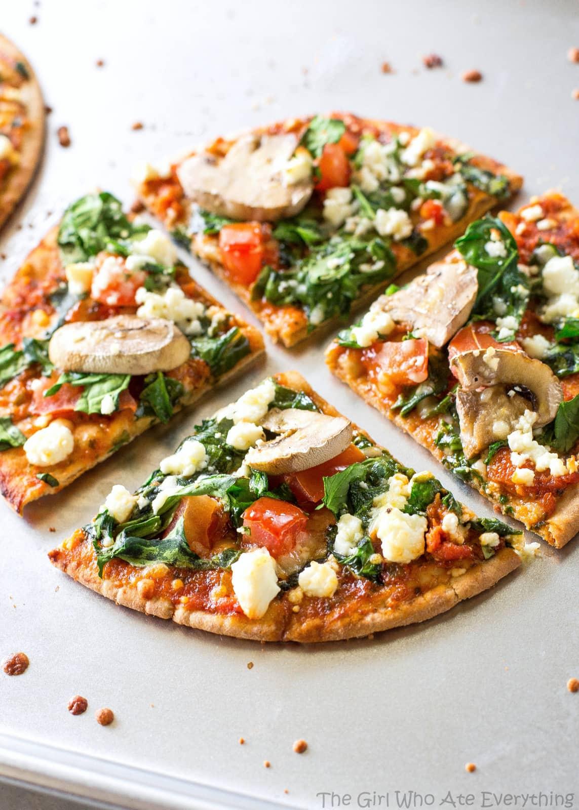 spinach-feta-pita-pizzas-14.jpg