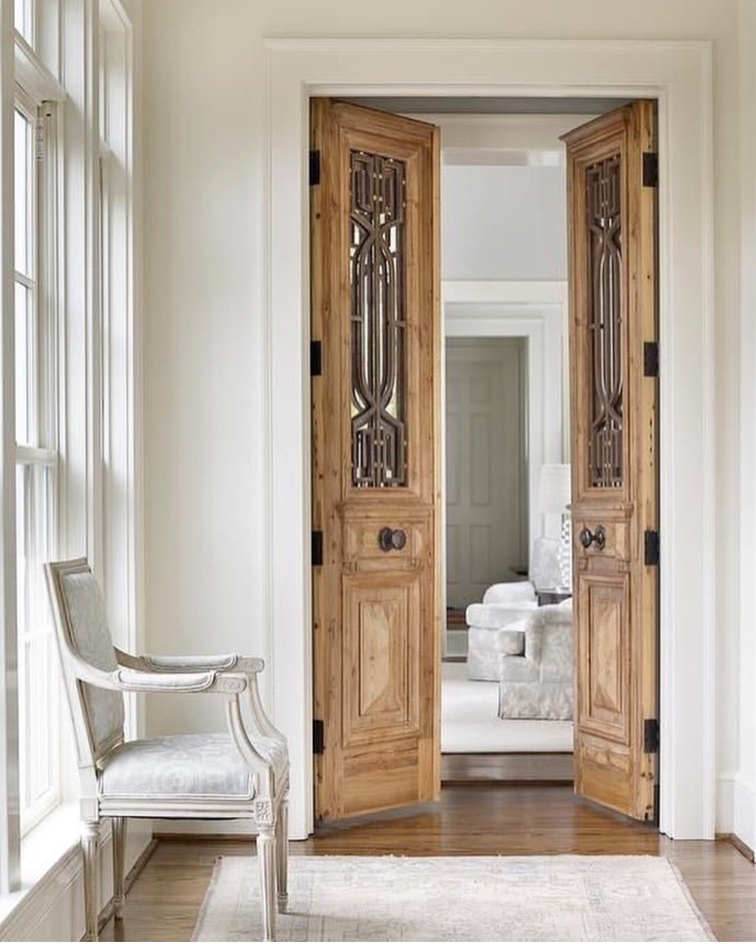 The Corbel doors used by Nicole Kessler Real Estate.