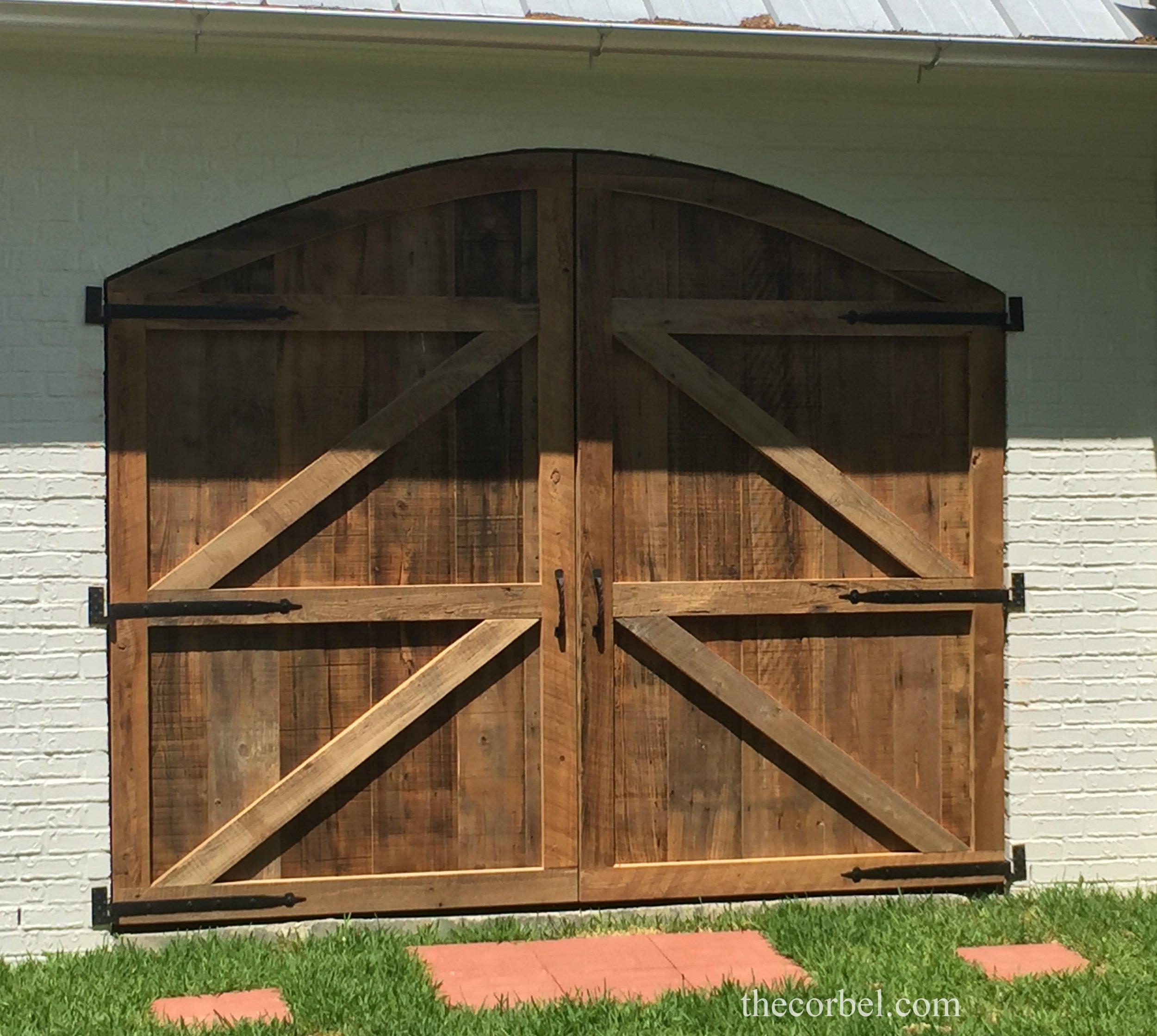 barndoor arch2_InPixio.jpg