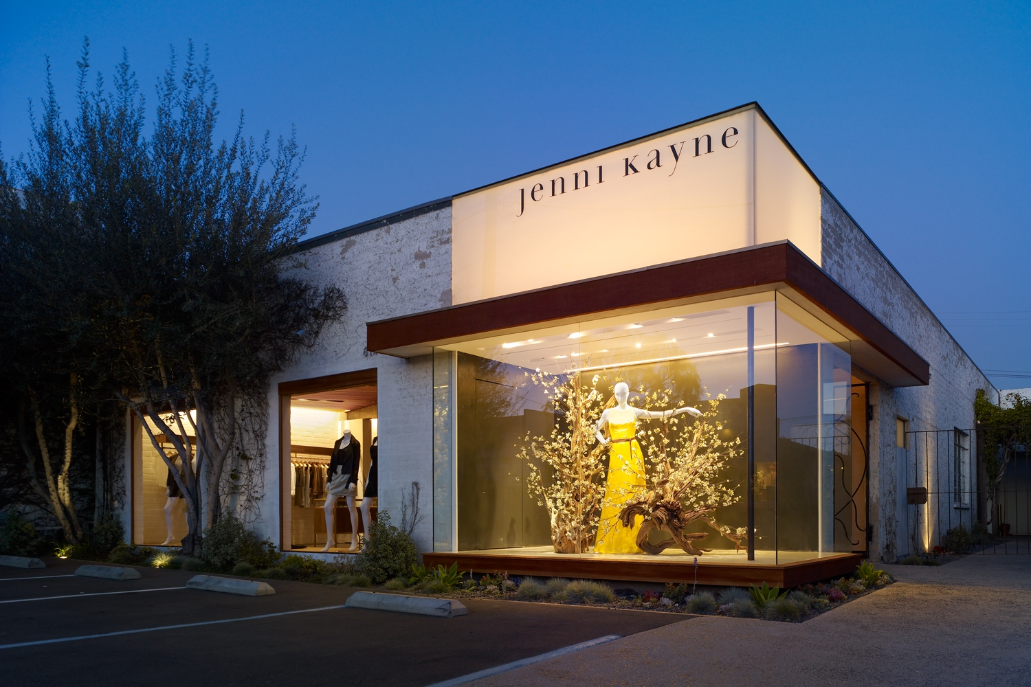 Jenni Kayne Flagship Store   Design // previous work by Alex Babich for Standard Arch