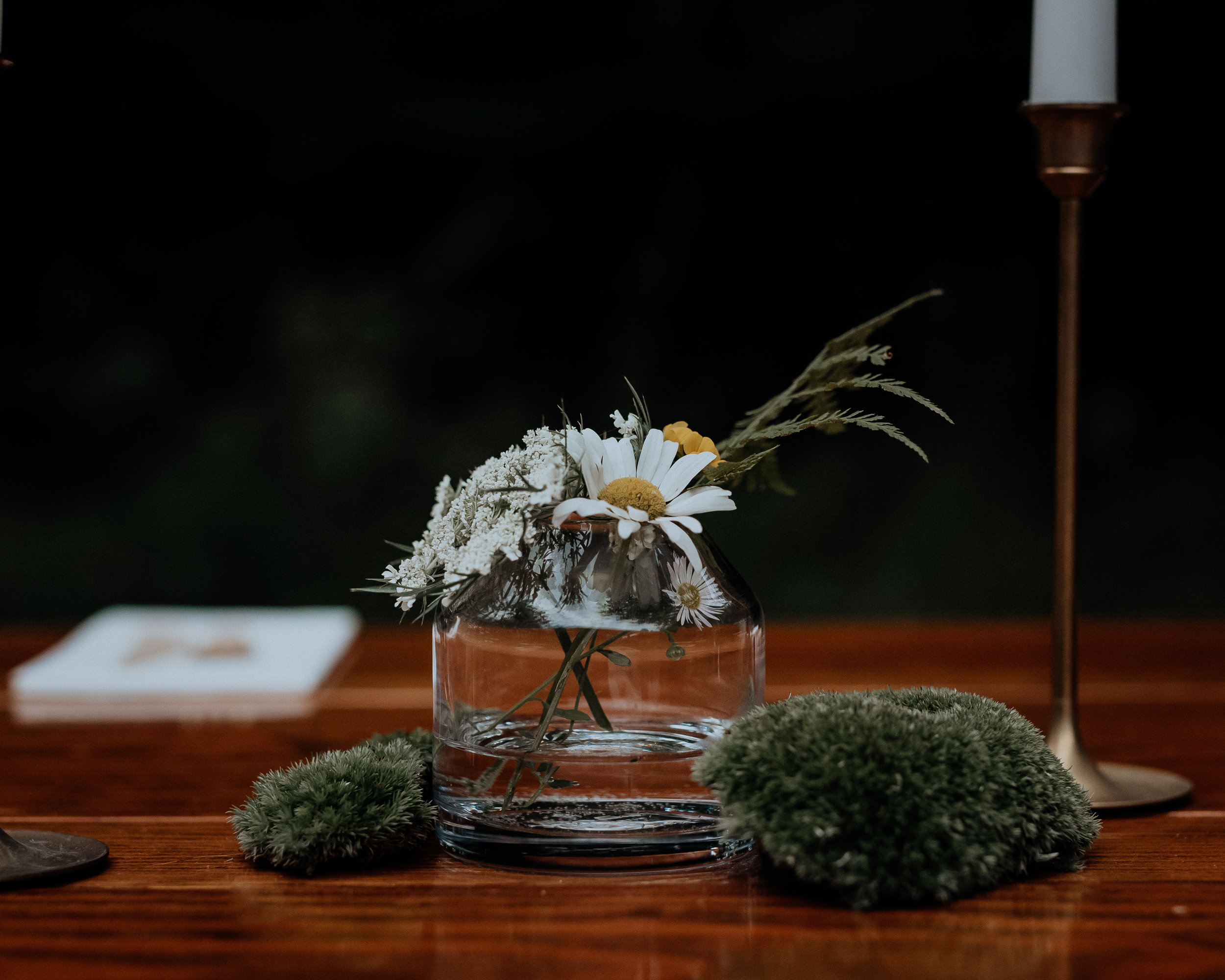 The cutest foraged centerpieces from a beautiful forest wedding in 2018.