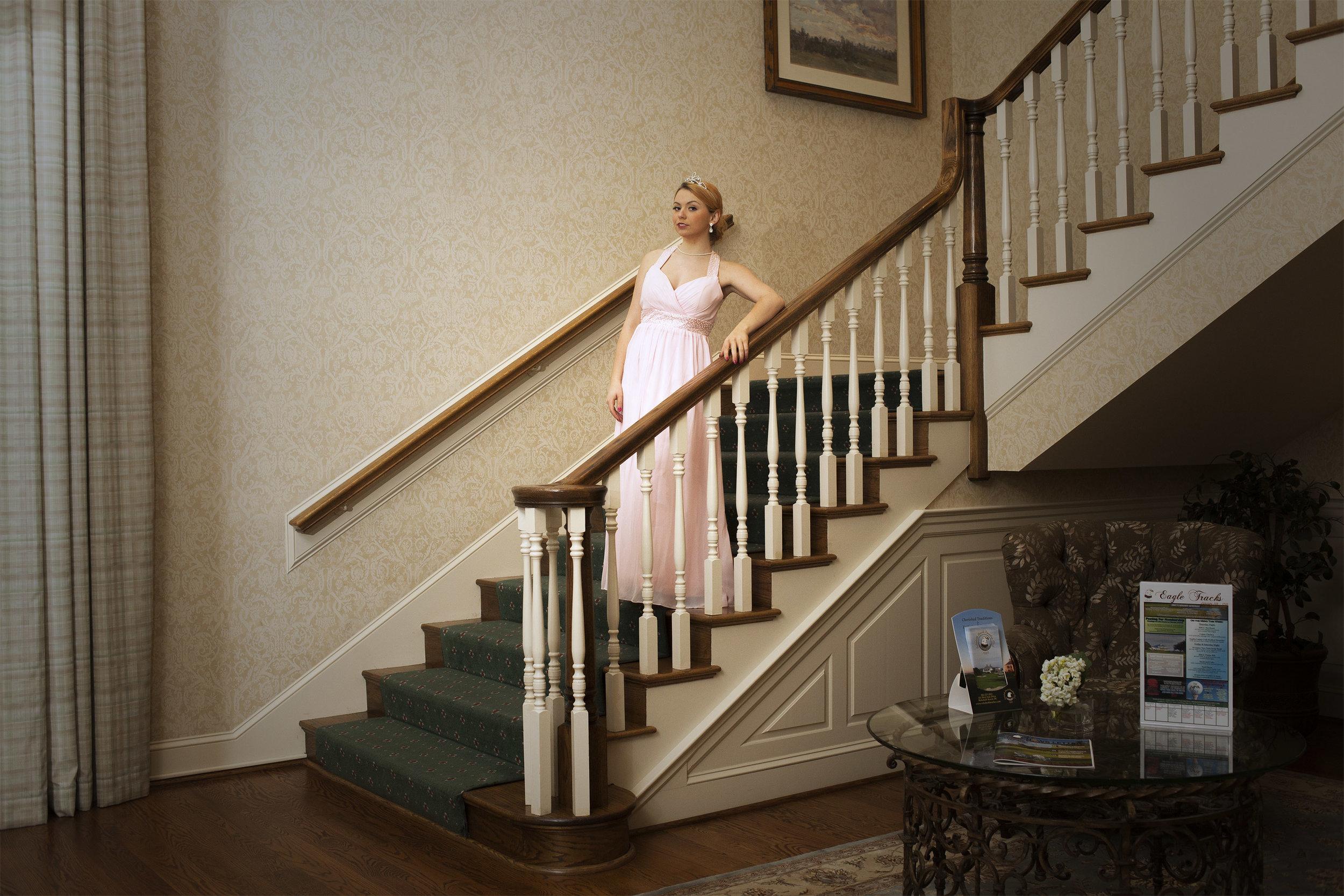 prom_countryclub_stairs copy.jpg