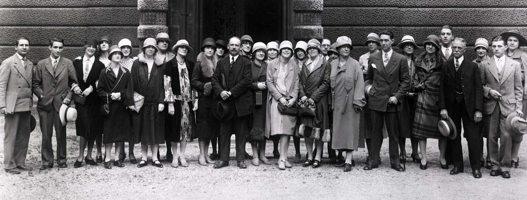 NYSID students on a study abroad trip to Paris, ca. 1930 (detail)
