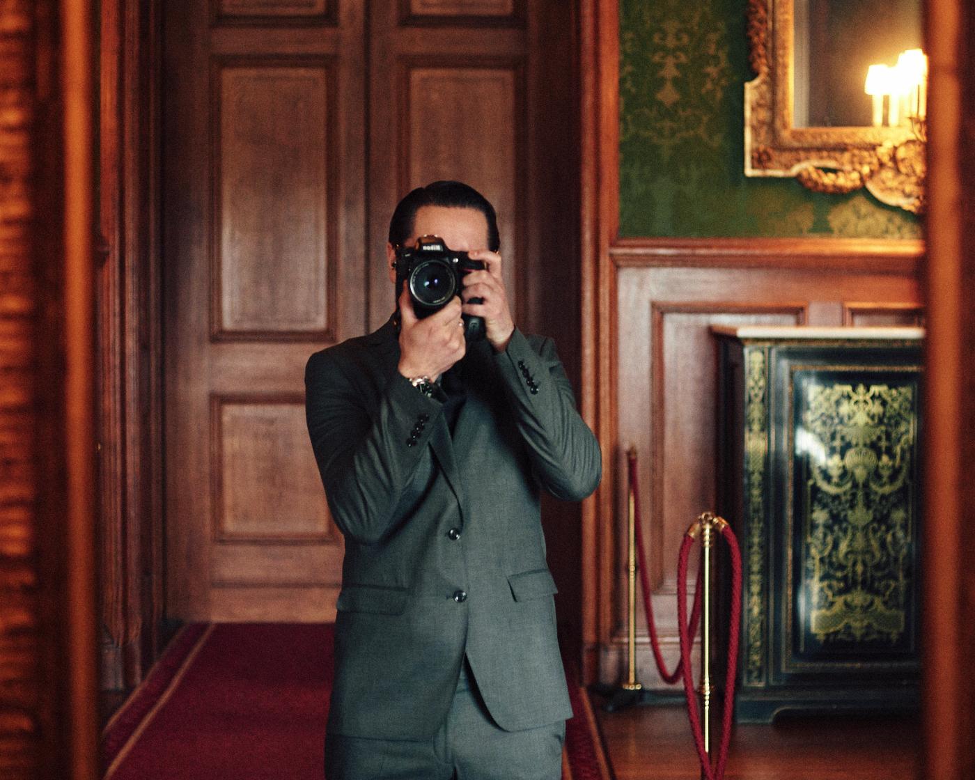 portrait photographer Tim Cole shoots people at Windsor Castle
