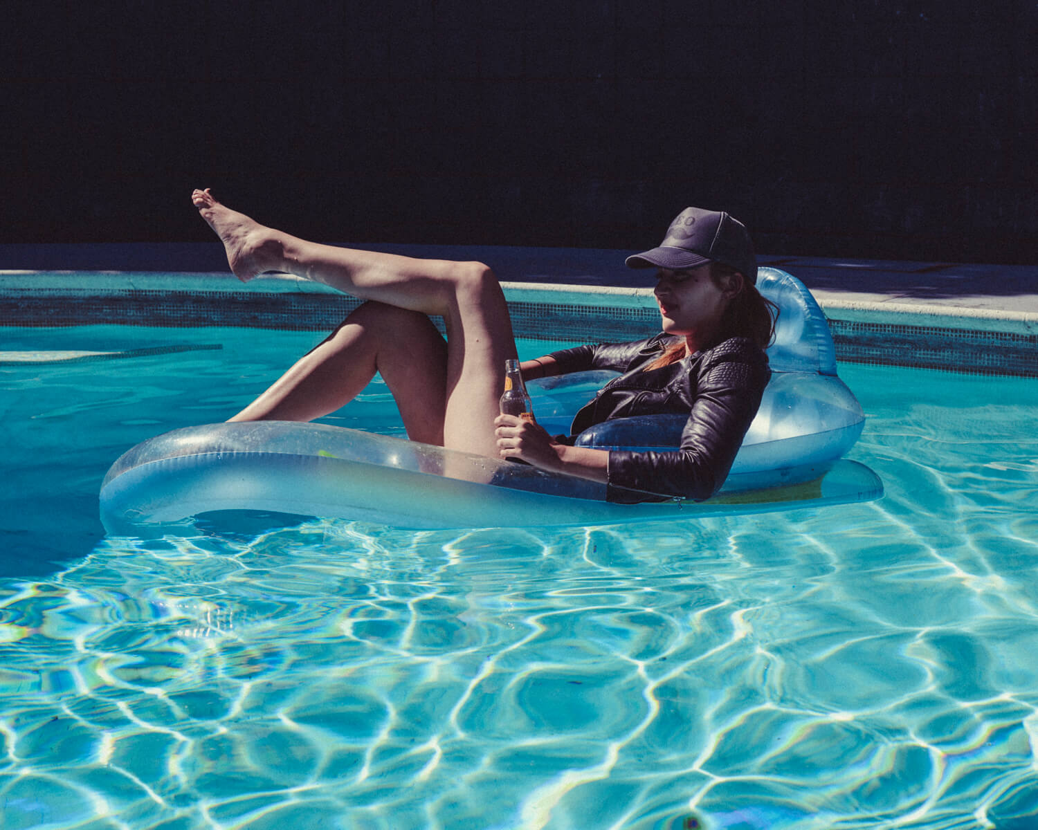 lifestyle photographer Tim Cole shoots girl in the pool