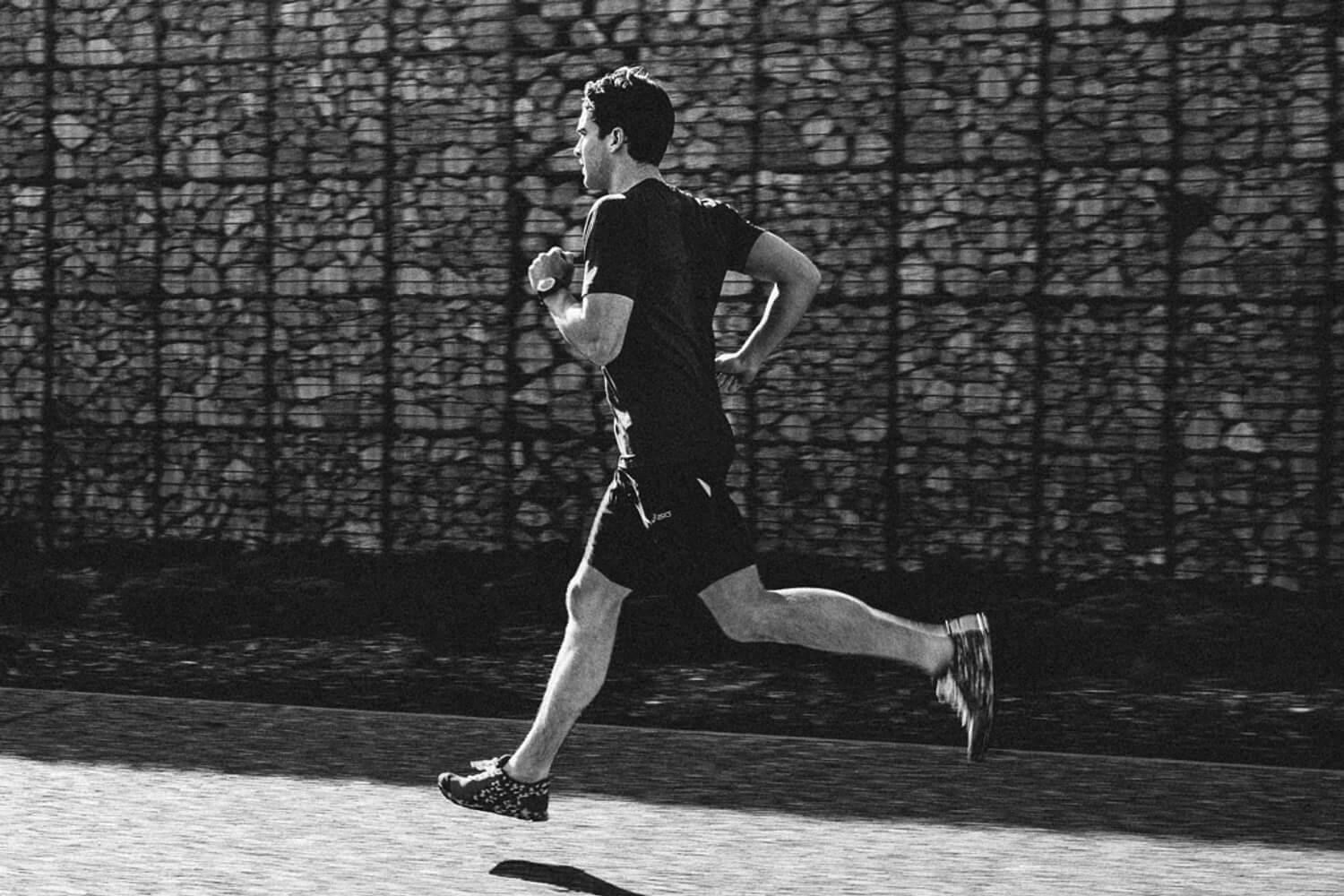 lifestyle photographer Tim Cole shoots runner in motion