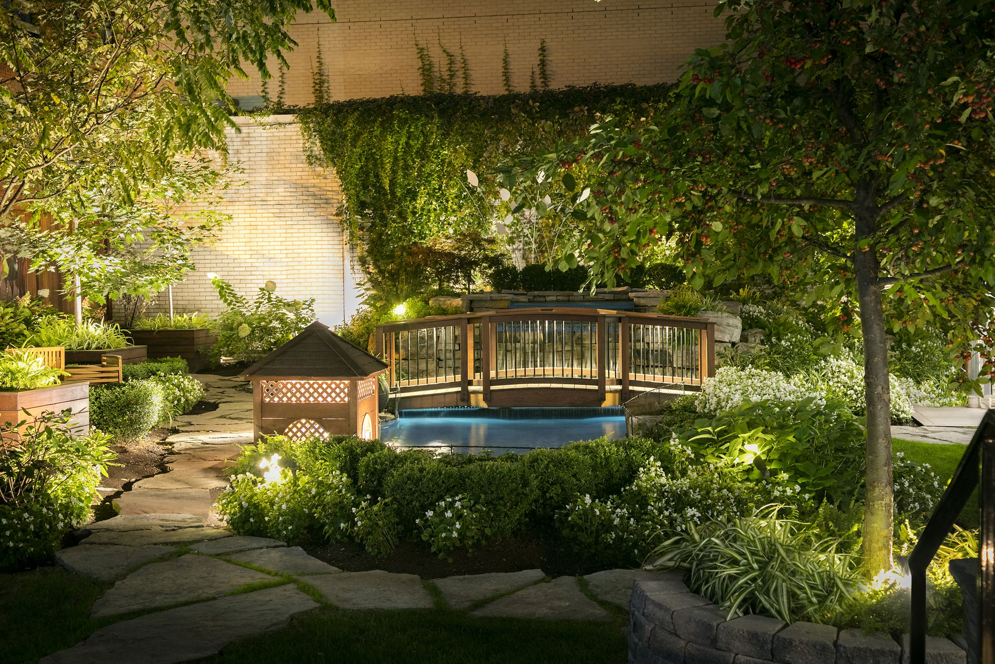 Ritz_Montreal Garden 19.jpeg