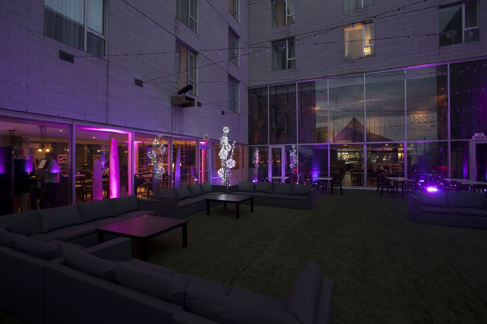 HOTEL10_Terrace1.jpg