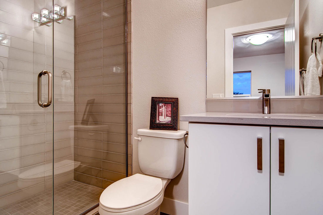 3756-Gilpin-St-Denver-CO-80205-large-012-12-2nd-Floor-3756-Master-Bathroom_1100x733.jpg