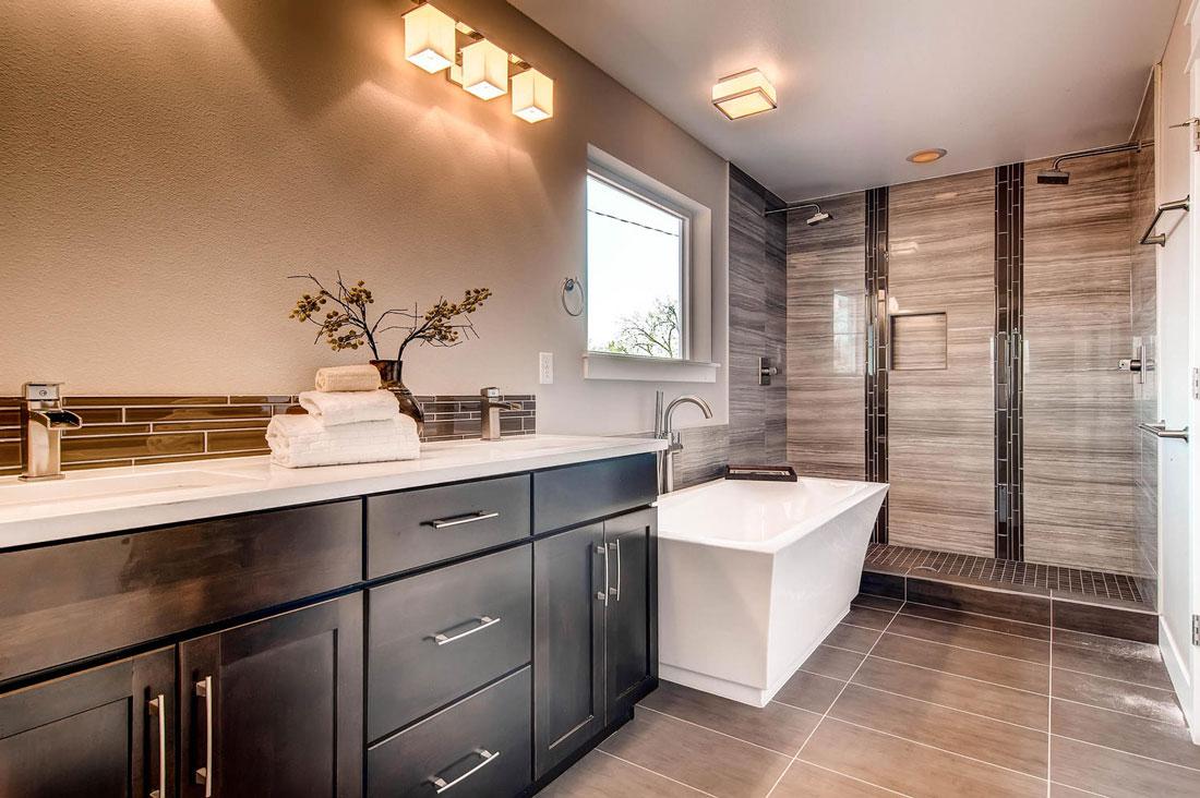 3324-Vine-St-Denver-CO-80205-large-021-21-2nd-Floor-Master-Bathroom_1100x733.jpg
