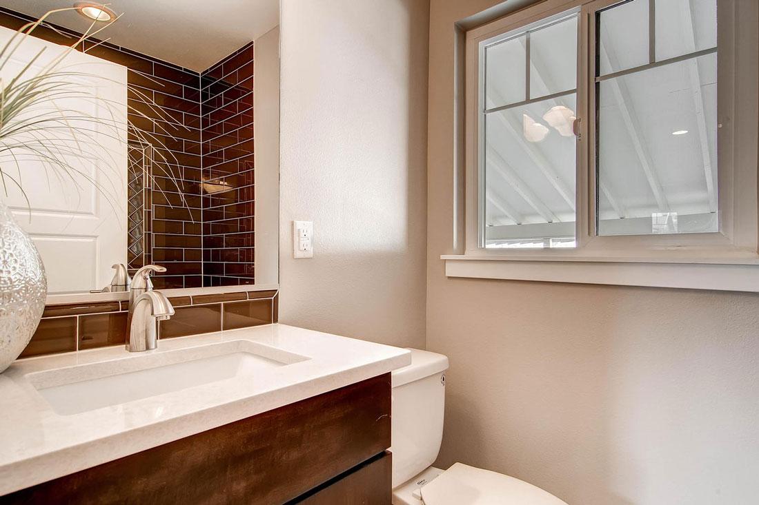 1925-S-Lincoln-St-Denver-CO-large-017-17-Master-Bathroom_1100x733.jpg