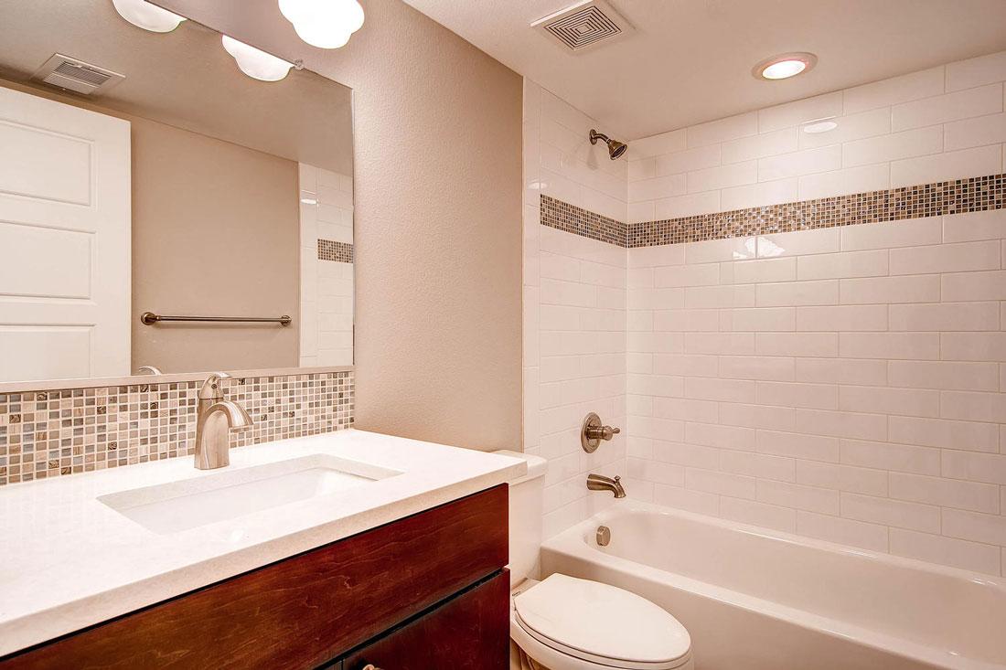 1925-S-Lincoln-St-Denver-CO-large-024-24-Lower-Level-Bathroom_1100x733.jpg