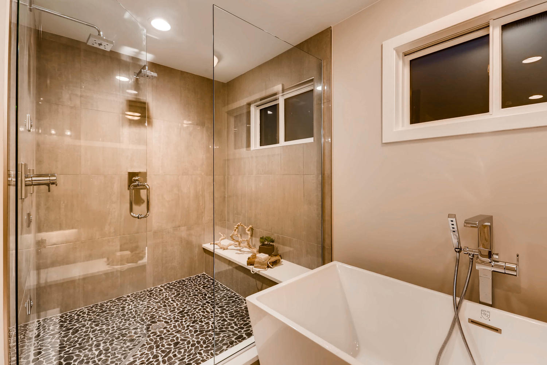 135 S Hudson St Denver CO-large-019-19-2nd Floor Master Bathroom-1500x1000-72dpi.jpg